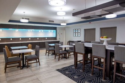 Property amenity   La Quinta Inn & Suites by Wyndham Houston East at Normandy
