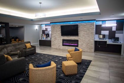 Lobby   La Quinta Inn & Suites by Wyndham Houston East at Normandy