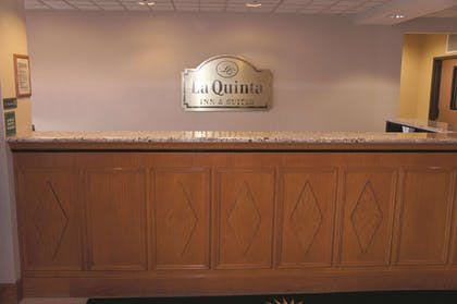 Lobby | La Quinta Inn & Suites by Wyndham Omaha Airport Downtown