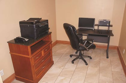 Business Center | La Quinta Inn & Suites by Wyndham Omaha Airport Downtown