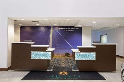 Reception | La Quinta Inn & Suites by Wyndham Omaha Airport Downtown