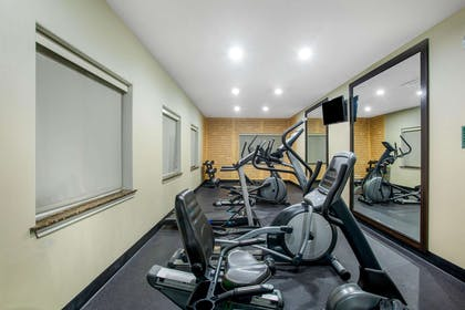Health club | La Quinta Inn & Suites by Wyndham Kyle - Austin South