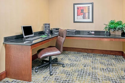 Business Center | La Quinta Inn & Suites by Wyndham Lawton / Fort Sill