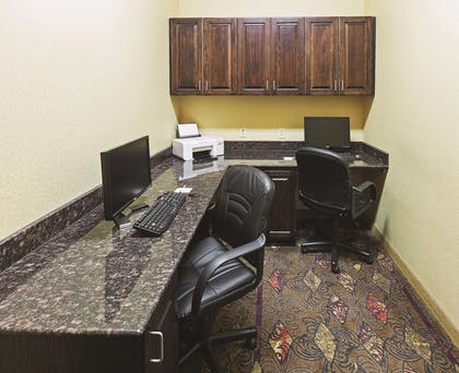 Business Center | La Quinta Inn & Suites by Wyndham Eastland
