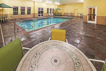 Pool | La Quinta Inn & Suites by Wyndham Eastland
