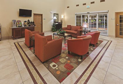 Lobby | La Quinta Inn & Suites by Wyndham Stillwater-University Area