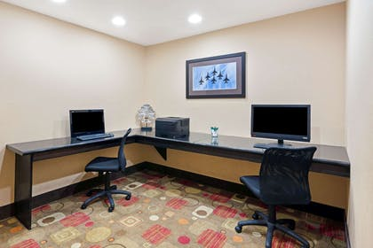 Business Center | La Quinta Inn & Suites by Wyndham Stillwater-University Area