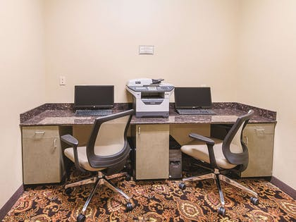Business Center | La Quinta Inn & Suites by Wyndham Woodway - Waco South