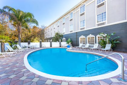 Pool | La Quinta Inn & Suites by Wyndham St. Augustine
