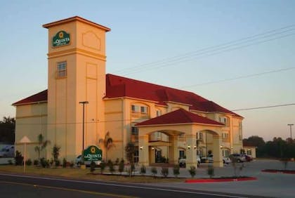 Exterior | La Quinta Inn & Suites by Wyndham Fairfield TX