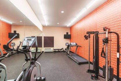 Health club | La Quinta Inn & Suites by Wyndham Houston Bush Intl Airpt E