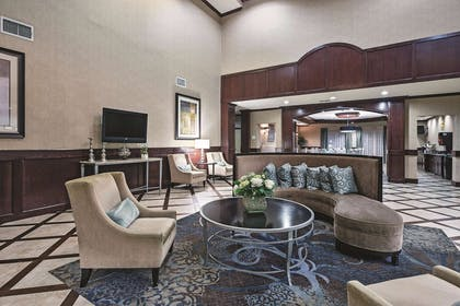 Lobby | La Quinta Inn & Suites by Wyndham DFW Airport West - Euless