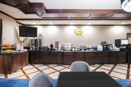 Property amenity | La Quinta Inn & Suites by Wyndham DFW Airport West - Euless