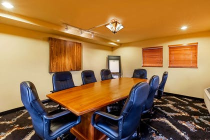 Meeting Room | La Quinta Inn & Suites by Wyndham Vancouver