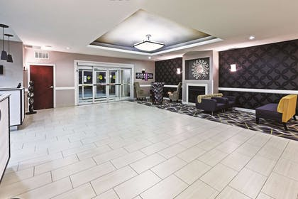Lobby | La Quinta Inn & Suites by Wyndham Ardmore Central