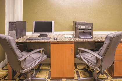 Business Center   La Quinta Inn & Suites by Wyndham Indianapolis South