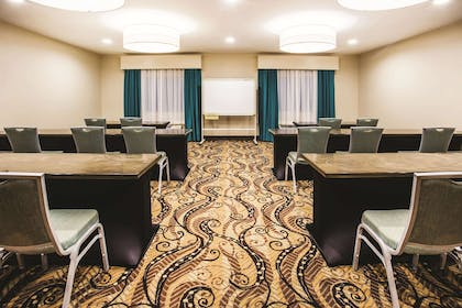 Meeting Room | La Quinta Inn & Suites by Wyndham Evansville