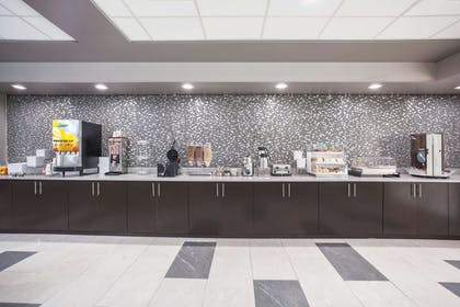 Property amenity   La Quinta Inn & Suites by Wyndham Clearwater South