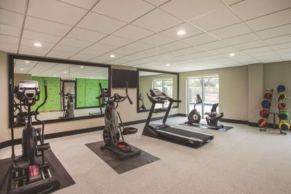 Health club fitness center gym | La Quinta Inn & Suites by Wyndham Clearwater South