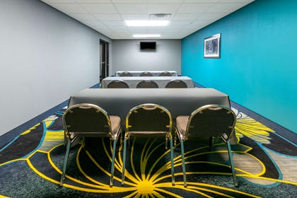 Meeting Room | La Quinta Inn & Suites by Wyndham Horn Lake / Southaven Area