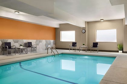 Pool | La Quinta Inn & Suites by Wyndham Salem OR
