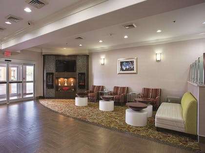 Lobby | La Quinta Inn & Suites by Wyndham Houston Channelview
