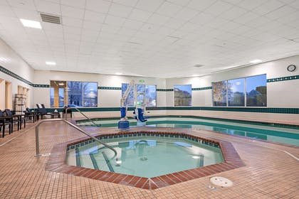 Pool | La Quinta Inn & Suites by Wyndham Boise Towne Square