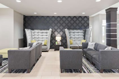 Lobby | La Quinta Inn & Suites by Wyndham Rockport - Fulton