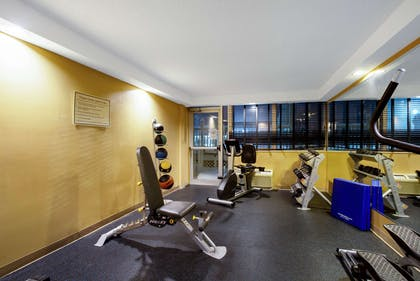 fitness room | La Quinta Inn & Suites by Wyndham Manchester