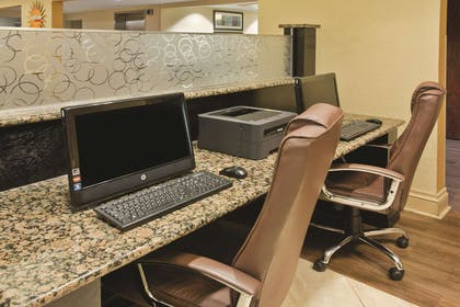 Business Center | La Quinta Inn & Suites by Wyndham Hot Springs