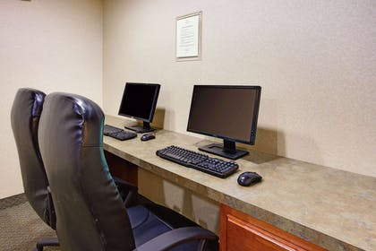 Business Center | La Quinta Inn & Suites by Wyndham Richmond - Kings Dominion