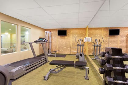 Health club | La Quinta Inn & Suites by Wyndham Richmond - Kings Dominion