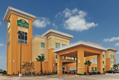 Exterior | La Quinta Inn & Suites by Wyndham Jourdanton - Pleasanton