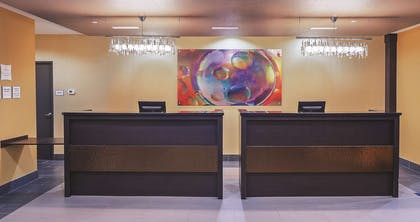 FrontDesk | La Quinta Inn & Suites by Wyndham Jourdanton - Pleasanton