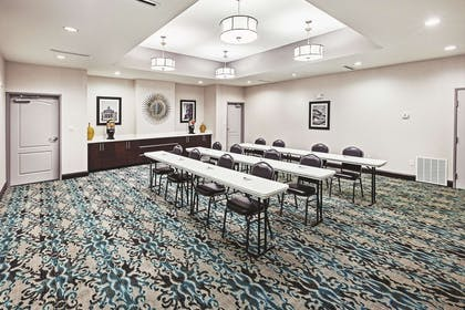 Meeting Room | La Quinta Inn & Suites by Wyndham Fort Worth Eastchase