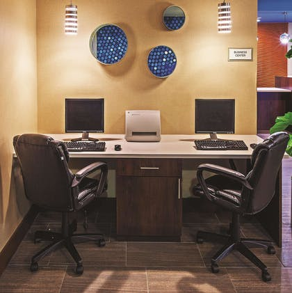 Business Center | La Quinta Inn & Suites by Wyndham Midwest City - Tinker AFB