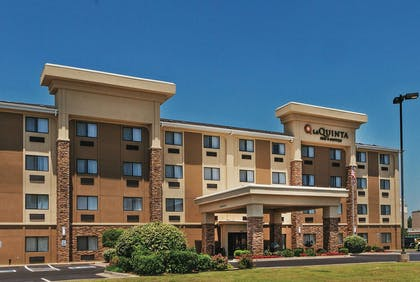 Exterior | La Quinta Inn & Suites by Wyndham Midwest City - Tinker AFB