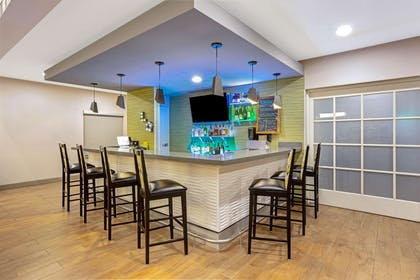 BarLounge | La Quinta Inn & Suites by Wyndham Tumwater - Olympia