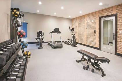 Health club | La Quinta Inn & Suites by Wyndham Fort Worth West - I-30