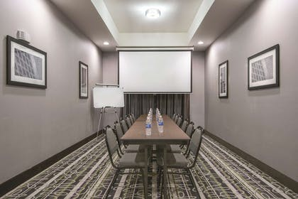 Meeting Room | La Quinta Inn & Suites by Wyndham Fort Worth West - I-30