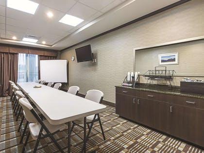 Meeting Room | La Quinta Inn & Suites by Wyndham Glendive