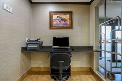 Business Center | La Quinta Inn & Suites by Wyndham Glendive
