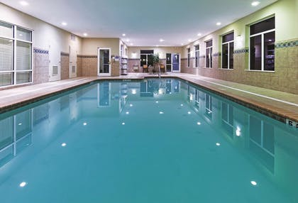 Pool | La Quinta Inn & Suites by Wyndham Corpus Christi-N Padre Isl