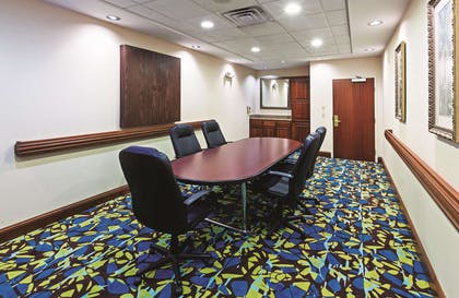 Meeting Room | La Quinta Inn & Suites by Wyndham Corpus Christi-N Padre Isl