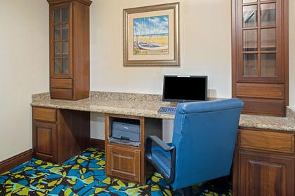 Business Center | La Quinta Inn & Suites by Wyndham Corpus Christi-N Padre Isl