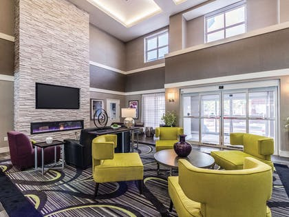 Lobby | La Quinta Inn & Suites by Wyndham San Antonio Downtown