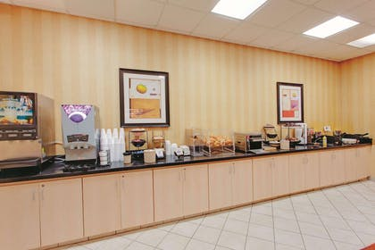 Property amenity | La Quinta Inn & Suites by Wyndham Fairfield NJ