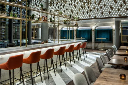 BarLounge | Amway Grand Plaza, Curio Collection by Hilton