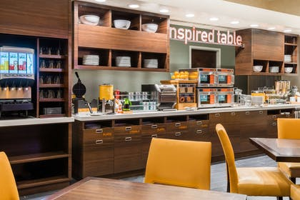 Breakfast Area | Home2 Suites by Hilton Atlanta Downtown