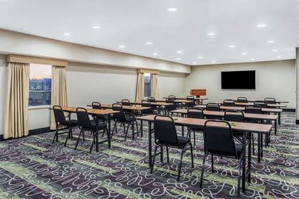 Meeting Room | La Quinta Inn & Suites by Wyndham Rockford